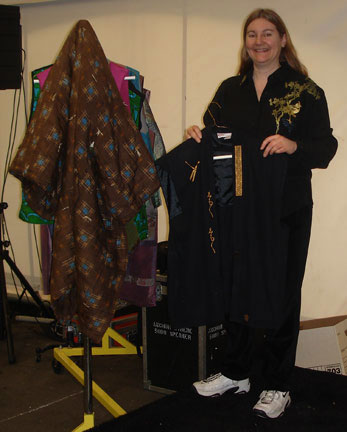 [Helping Maggie Backman at Sew & Stitchery Expo]